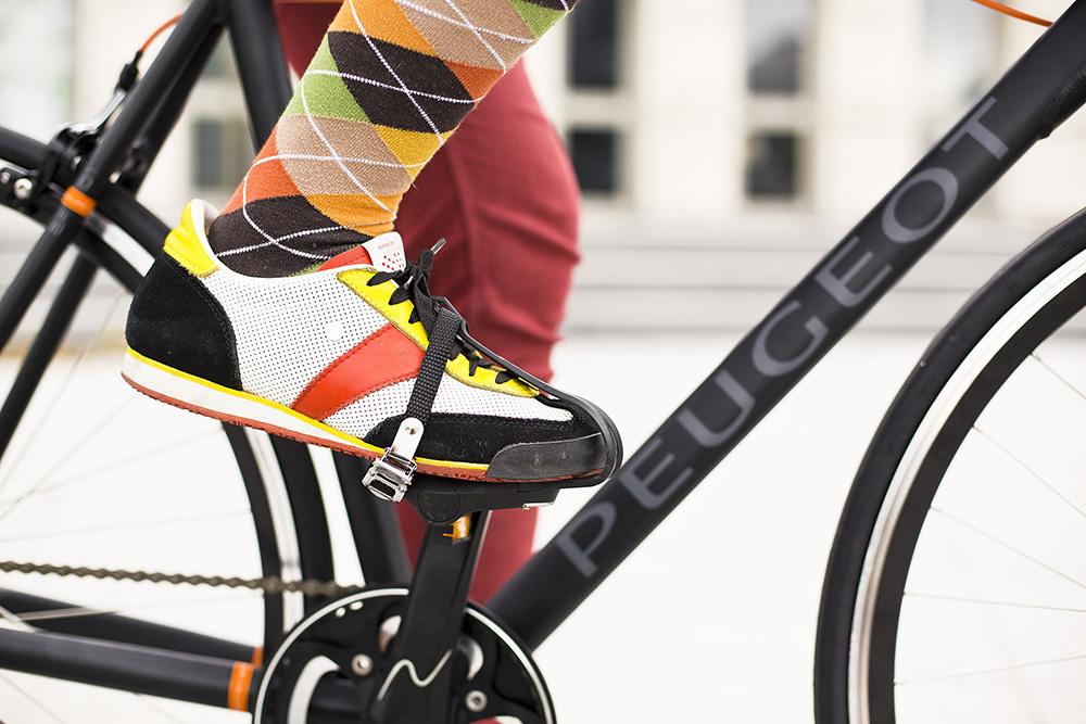 Pedále s košíkmi a remienkami vyžadujú určitú jazdeckú zručnosť. Foto: Marek Kikkinder