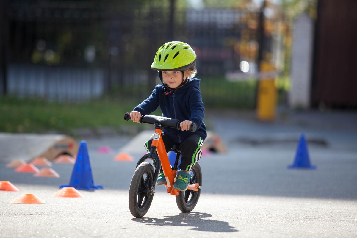 Detská cyklistická prilba. Foto: Shutterstock