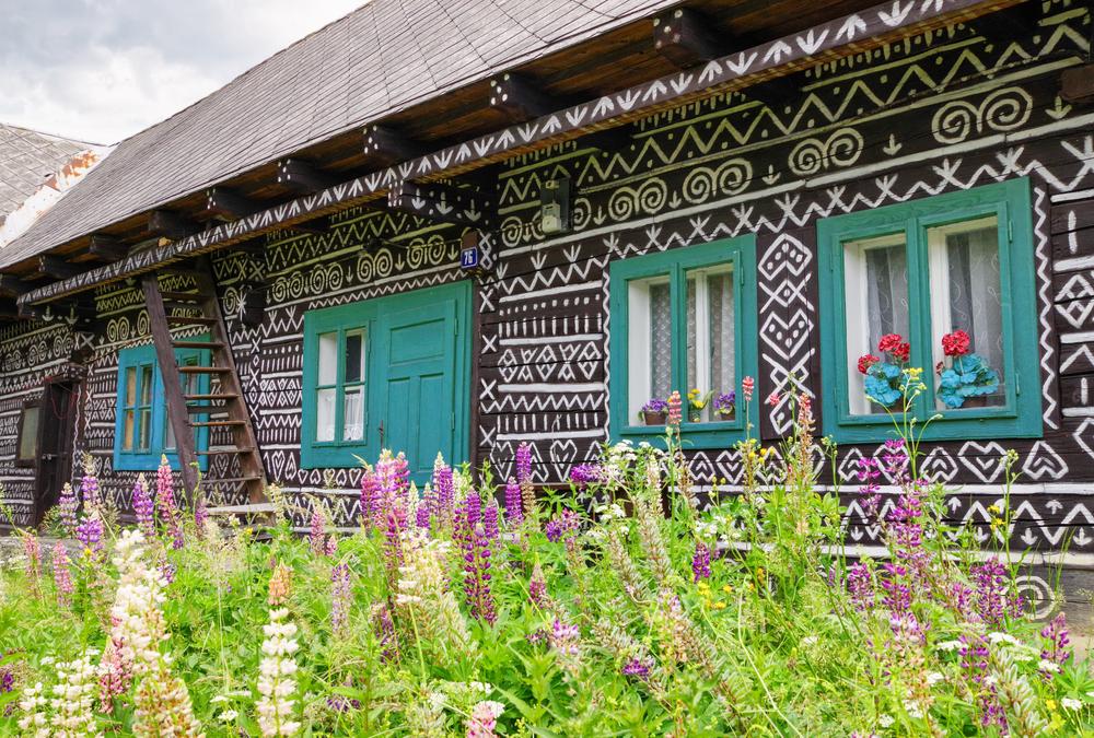 Maľovaný domček v Čičmanoch. Foto: Shutterstock