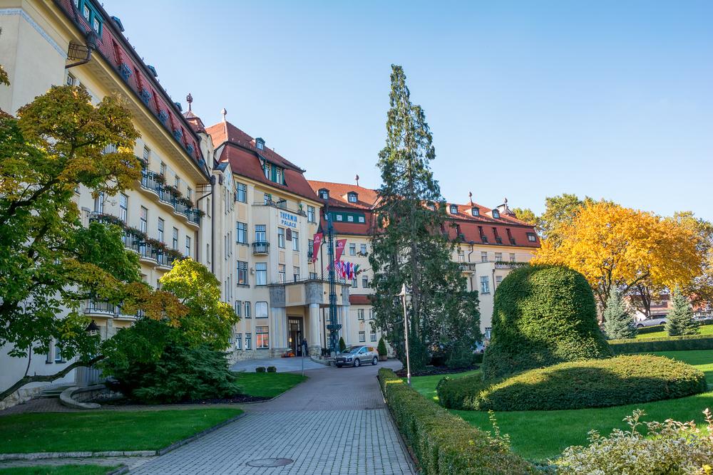 Jeden z najznámejších hotelov na Kúpeľnom ostrove v Piešťanoch.