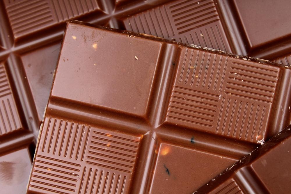 Čokoláda nesmie byť príliš mäkká, poddajná a mazľavá. Znamená to, že obsahuje iné ingrediencie a rastlinné oleje. Foto: Shutterstock