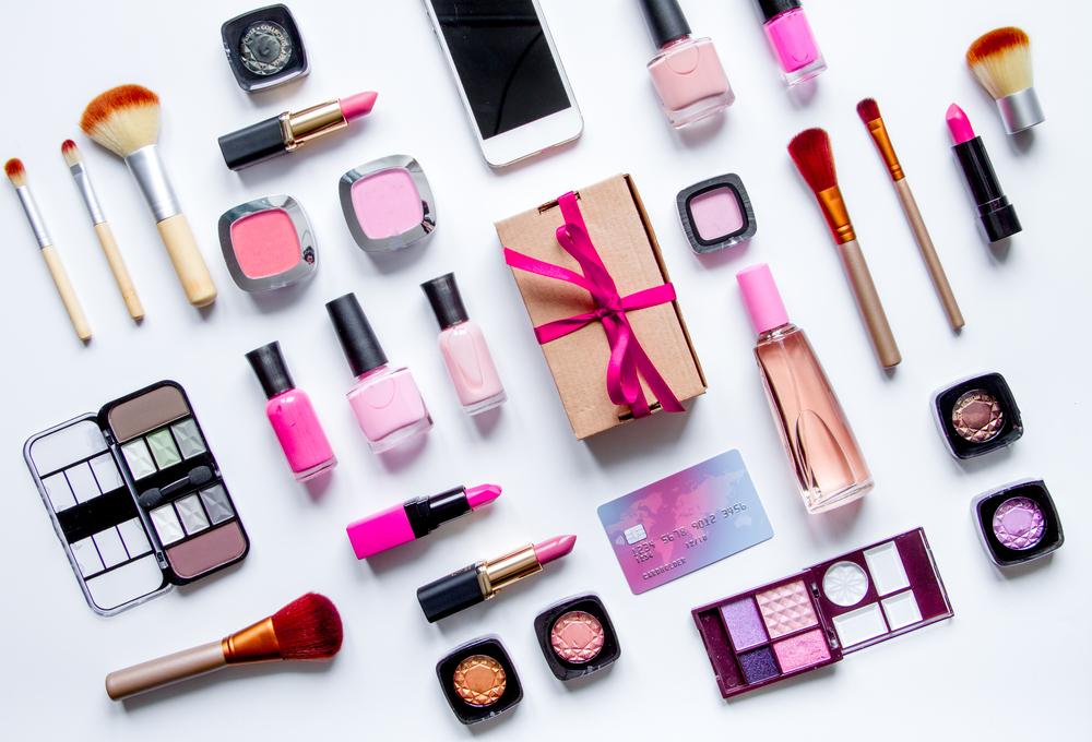 Nákup kozmetiky online. Foto: Shutterstock