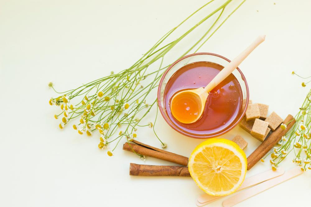 Ako sa zbaviť akné - med a škorica. Foto: Shutterstock