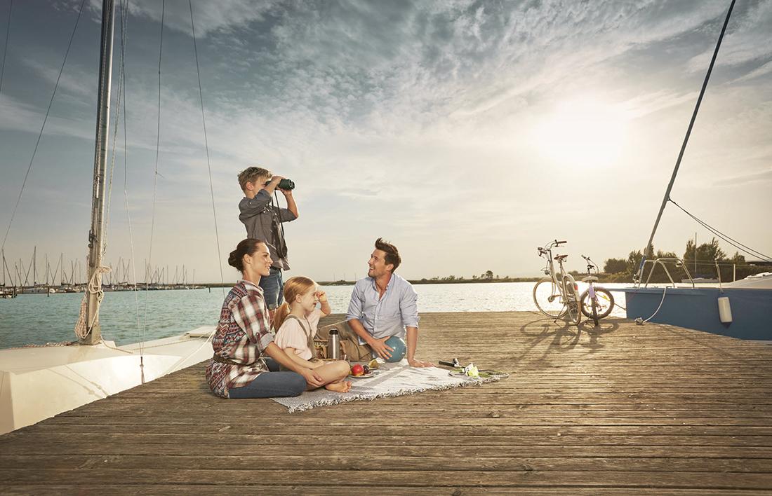 Rodina pri jazere v Burgenlande. Foto: ©Burgenland Tourismus/Peter Burgstaller