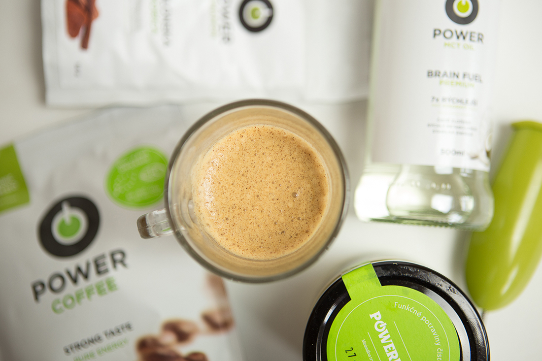 Káva s MCT olejom. Foto: Powerlogy