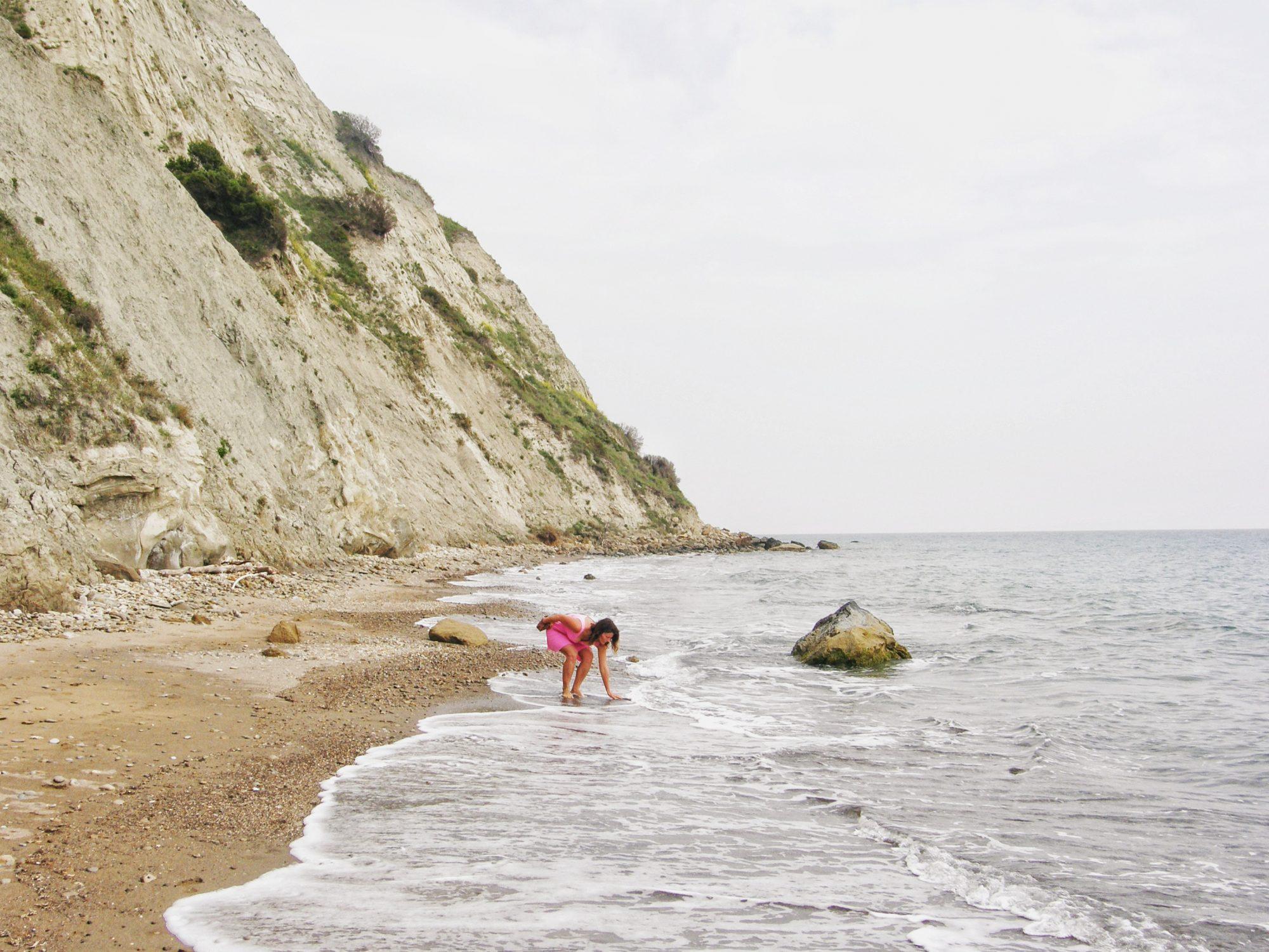 Pláž Arkoudillas na západnom pobreží - takmer na úplnom juhu Korfu.