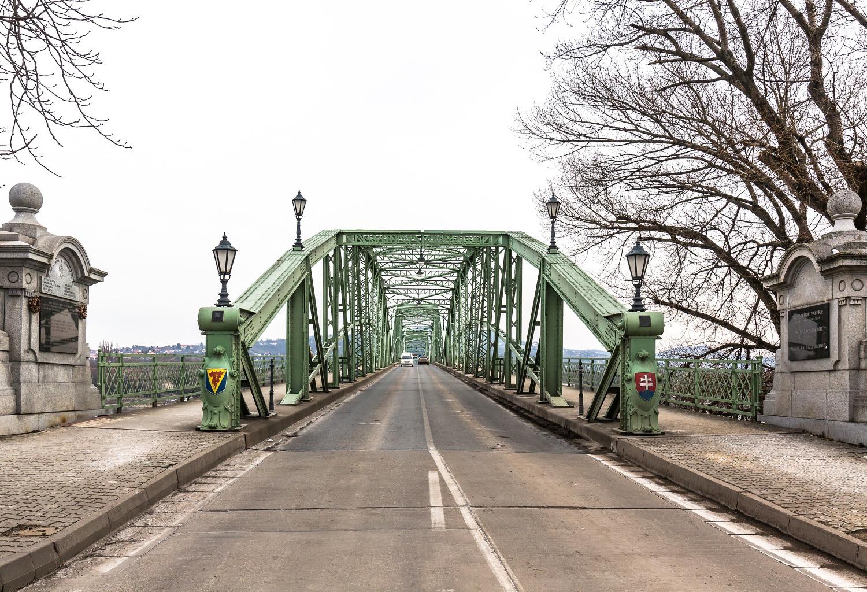Most MárieValérie medzi Štúrovom a Ostrihomom. Foto: Miro Pochyba