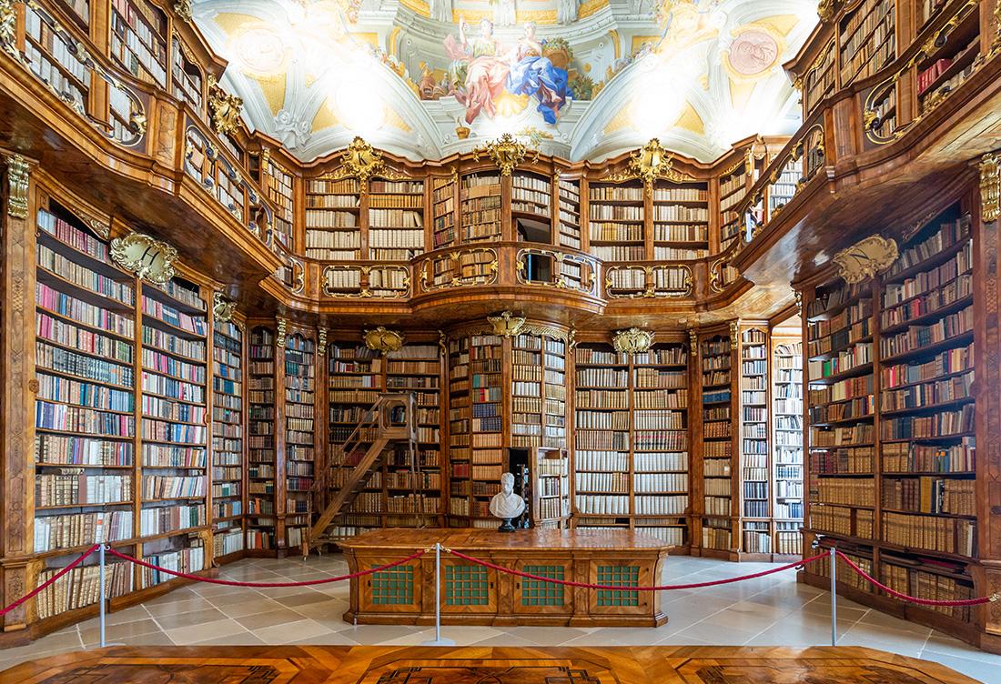 Úžasná knižnica v augustínskom kláštore Sv. Floriána. Foto: Miro Pochyba