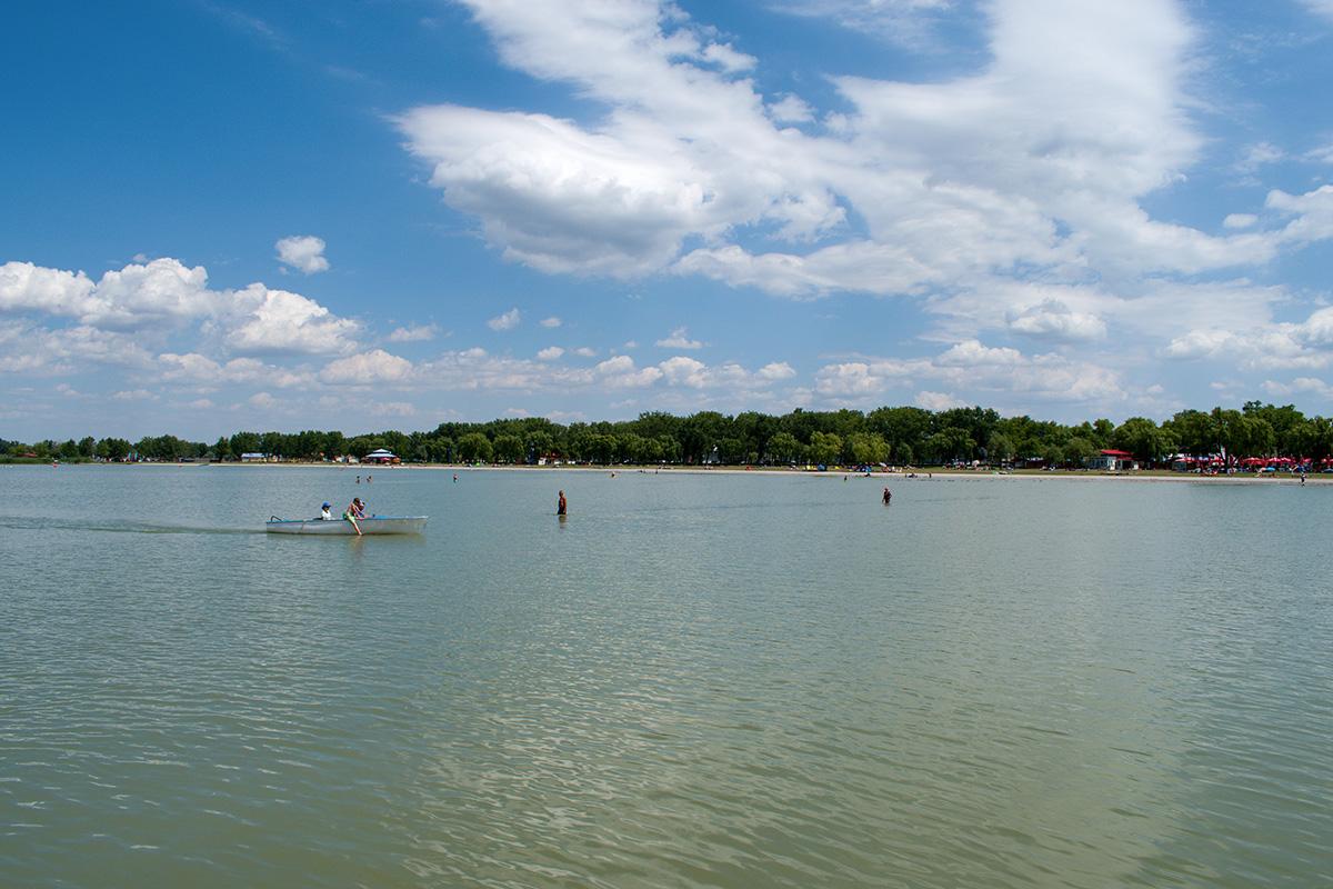 Maximálna hĺbka Neziderského jazera je 1,7 m.