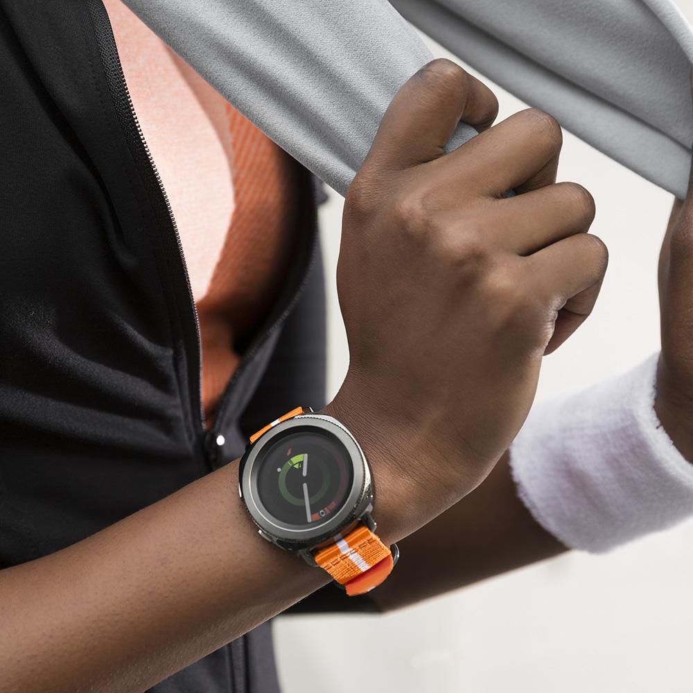 Bežecké hodinky Gear Sport im vdosiahovaní cieľov aktívne pomáhajú.