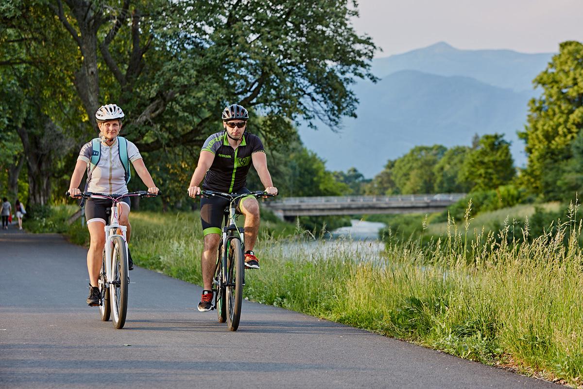Cyklotrasapozdĺž potoka Turiec vedie po rovinke, je dlhá7,2 km a je ideálna narodinné výlety.Foto: Peter Drežík
