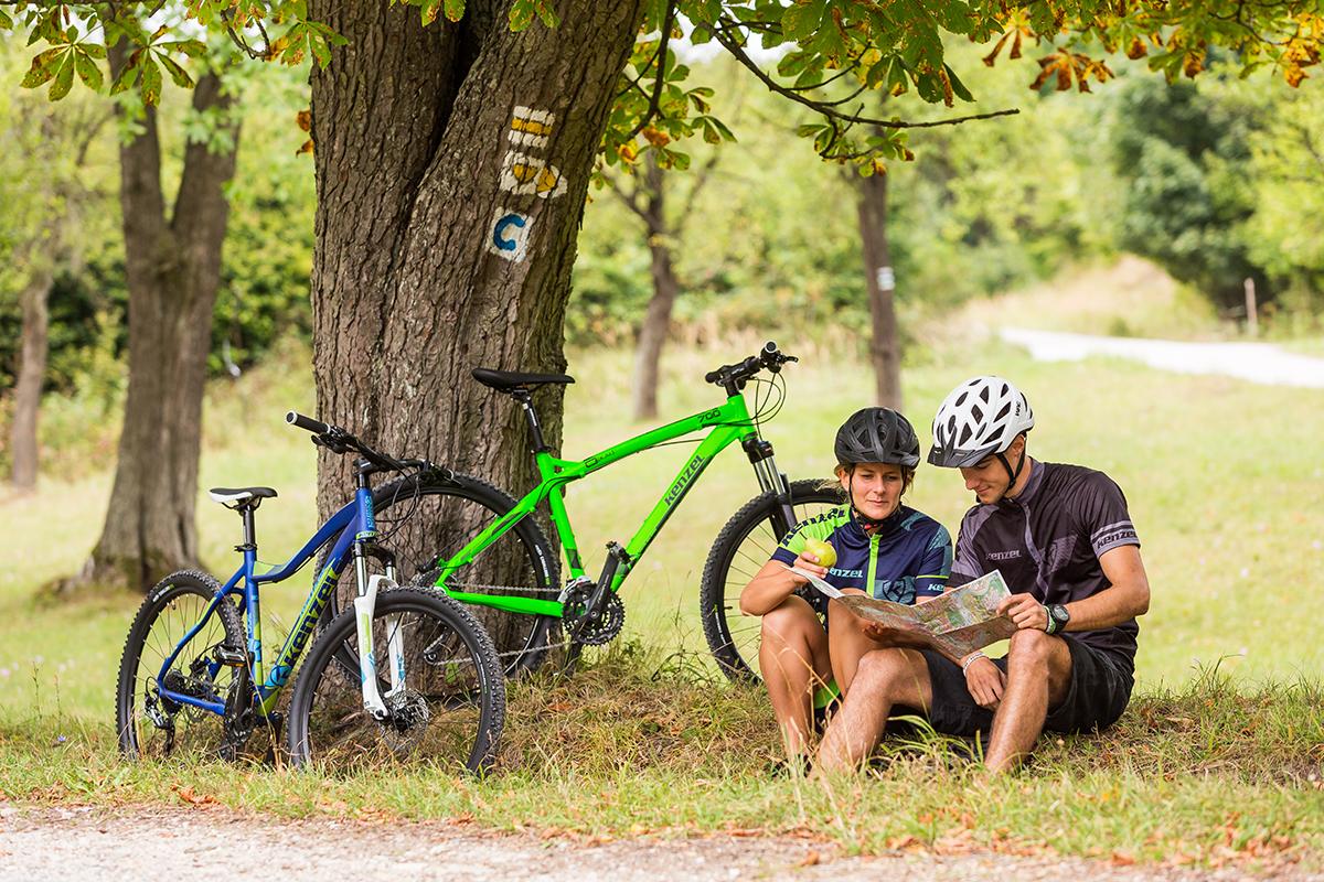 Cyklotrasy sú výborne značené a navzájom sa prepájajú. Foto: Miro Pochyba