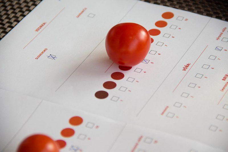 Všímajte si krajinu pôvodu. Slovenské paradajky sú najčerstvejšie.Všímajte si krajinu pôvodu. Slovenské paradajky sú najčerstvejšie.