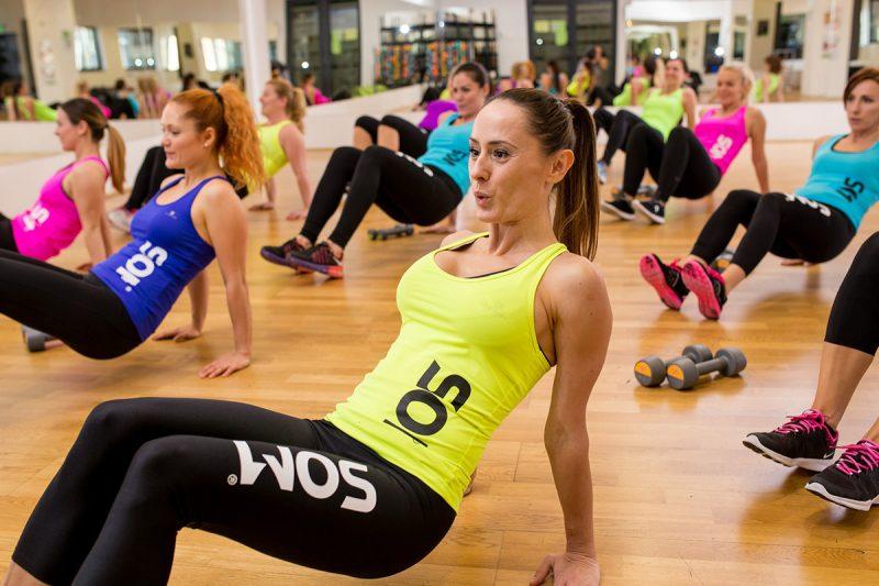 Pri cvičení v skupine máte oveľa viac motivátorov. Foto: SOM