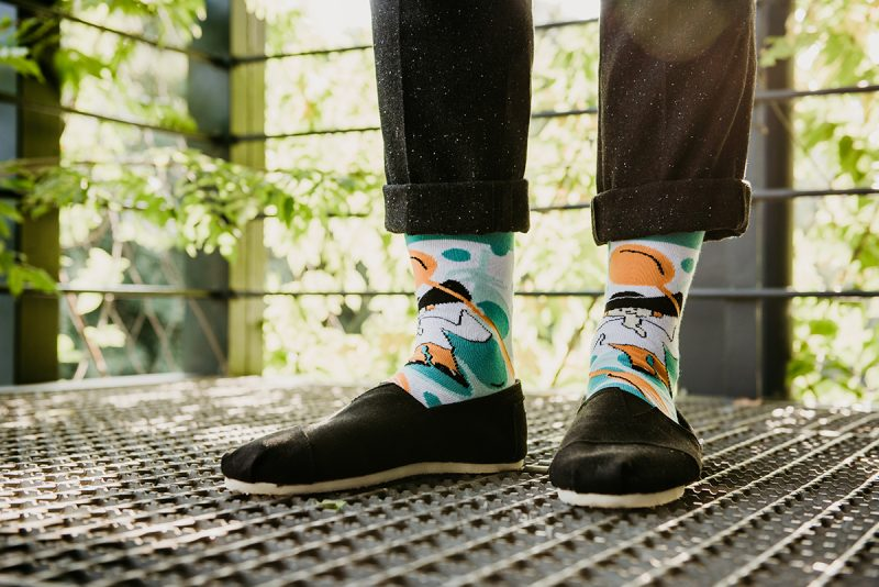 Slovenské ponožky Štýlovky sú vďaka živým farebným motívom i obrázkom personalizovaným prvkom outfitu.