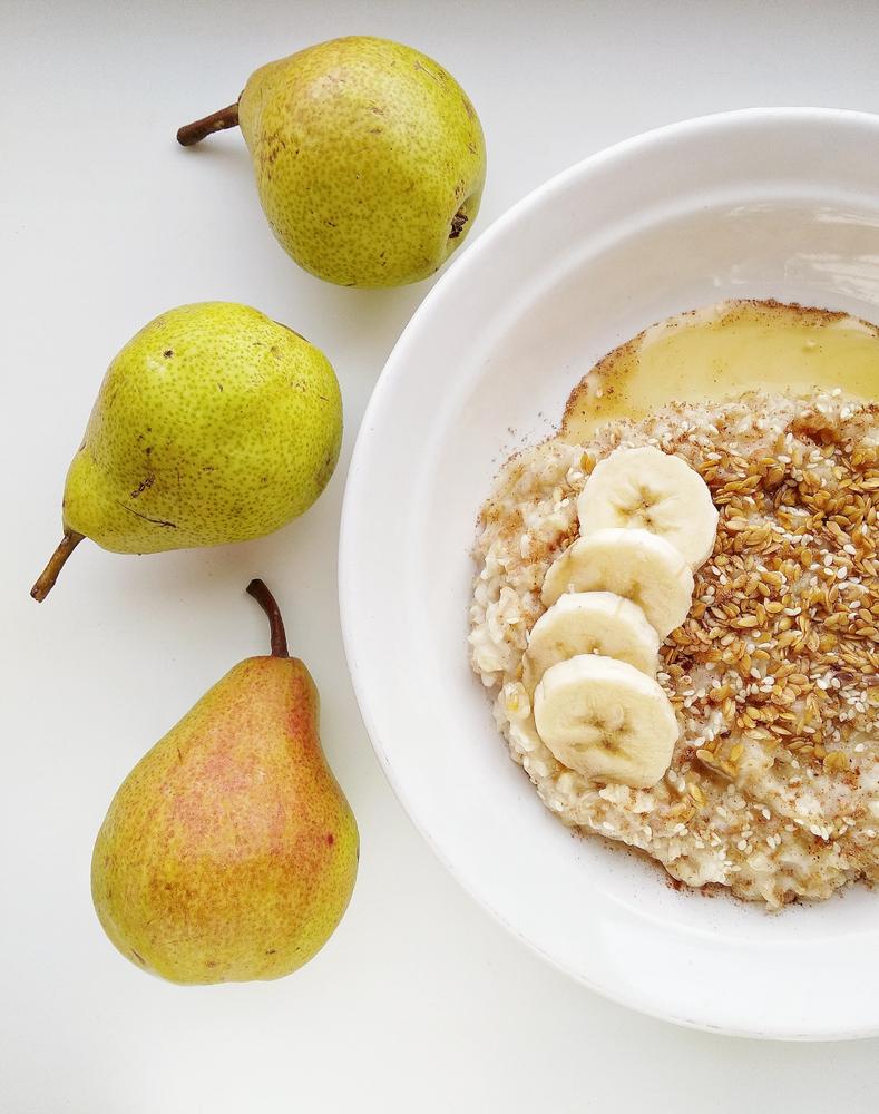Ak jeme prevažne sacharidovú stravu, veľa obilnín, kaší, nemali by sme k tomu kombinovať veľa tukov. Foto: Shutterstock