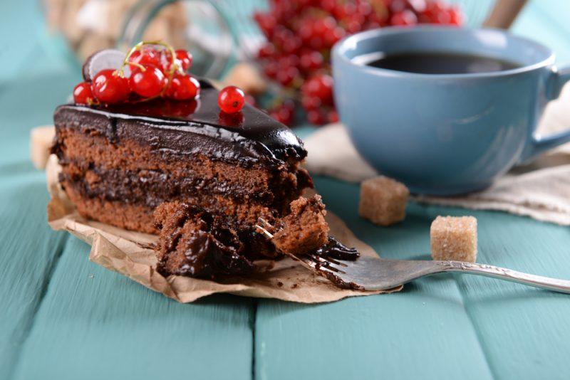 Žiadne potraviny nie sú zakázané, ale snažte sa nájsť v tom harmóniu a dať si len kúsok. Foto: Shutterstock