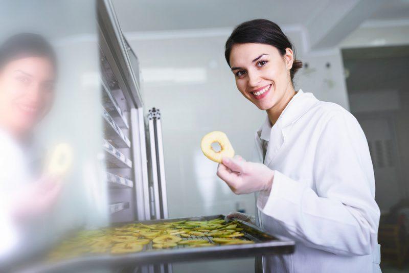 Obdĺžnikové zásobníky oceníte najmä pri príprave ovocných koží. Foto: Shutterstock