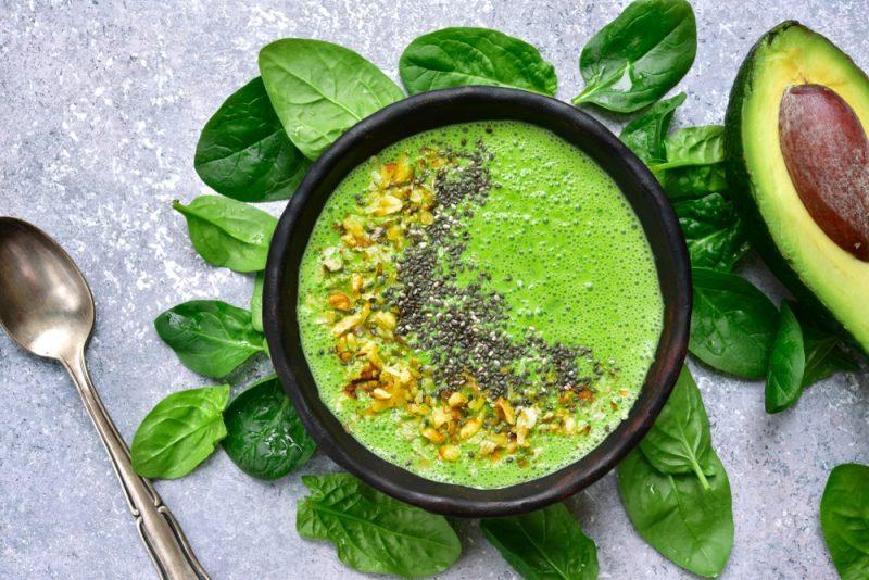 Avokádo je skvelé na prípravu smoothies čichutného guacamole. Foto: Shutterstock