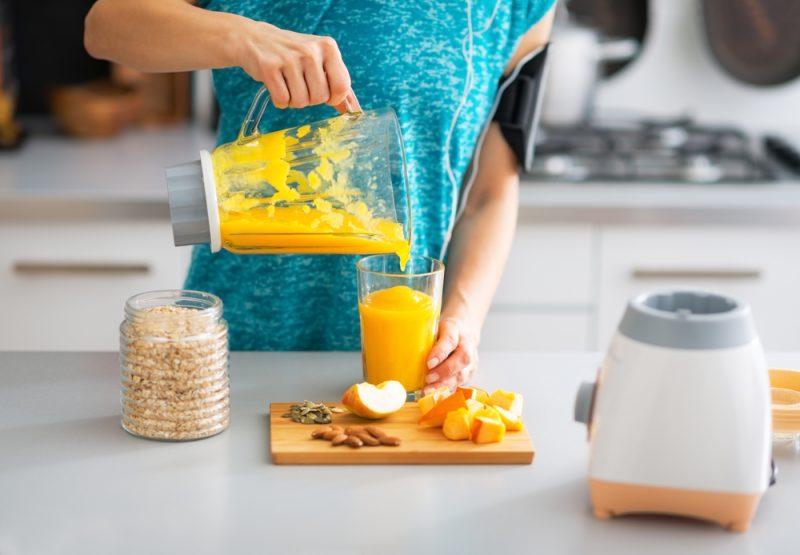 Smoothie vďaka vysokému obsahuvlákniny pomáhajú udržiavaťpočas dňa vyrovnanú hladinucukru v krvi. Foto: Shutterstock