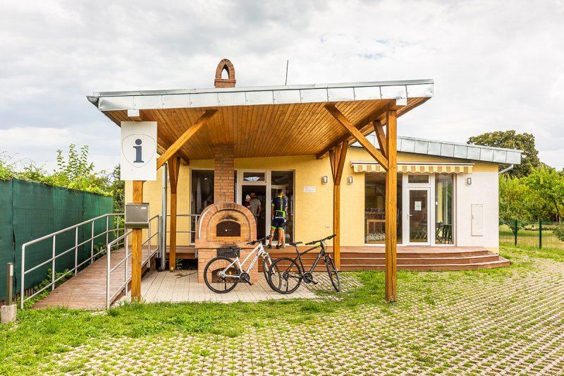 V Čerhove sa nachádza aj moderné turistické informačné centrum. Foto: Miro Pochyba