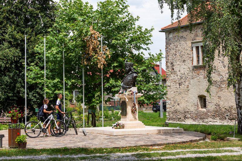 Pri renesančnomkaštieli Františka RákoczihoII. Foto: Miro Pochyba
