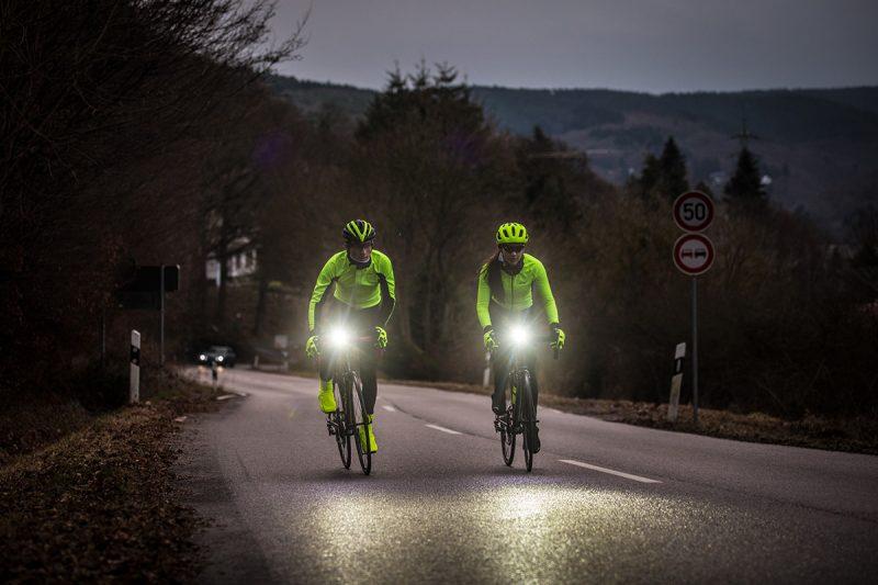Svetlá patria k najdôležitejším častiam cyklistickej výbavy. Foto: Michiel Rotgans