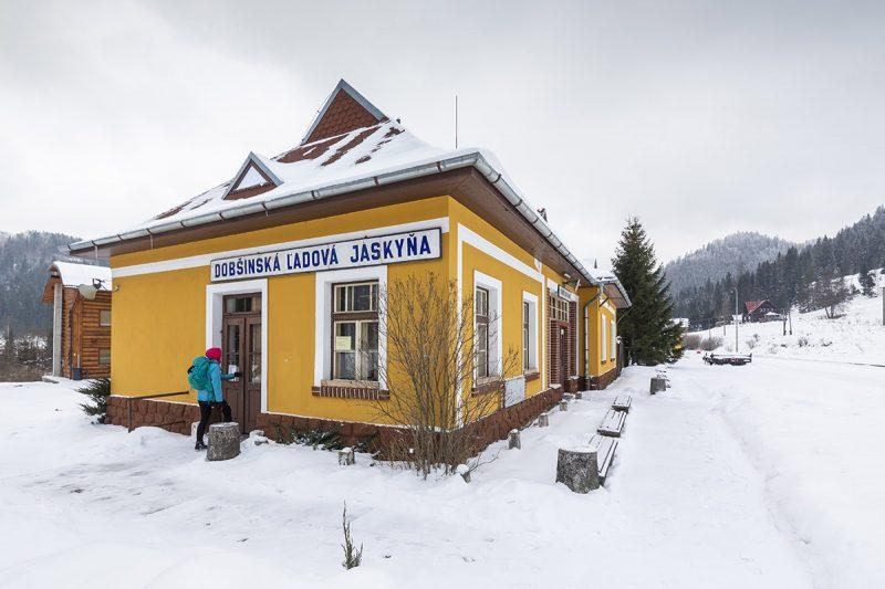Stanica Dobšinská Ľadová Jaskyňa. Foto: Miro Pochyba
