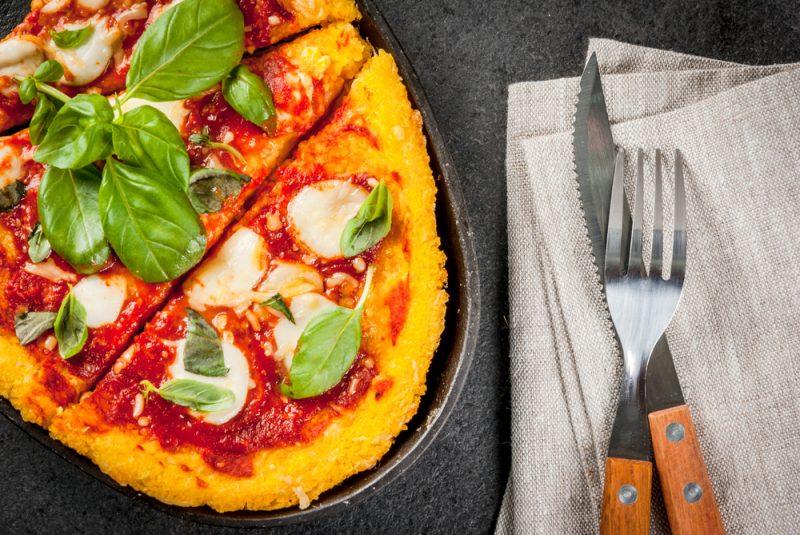 Polentová pizza. Foto: Shutterstock