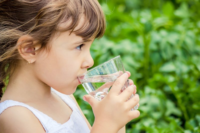 Pite dostatok tekutín. Foto: Shutterstock