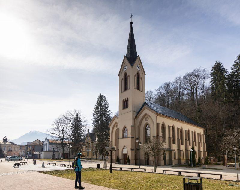 Kostol svätého Michala archanjela v Sedliackej Dubovej. Foto: Miro Pochyba