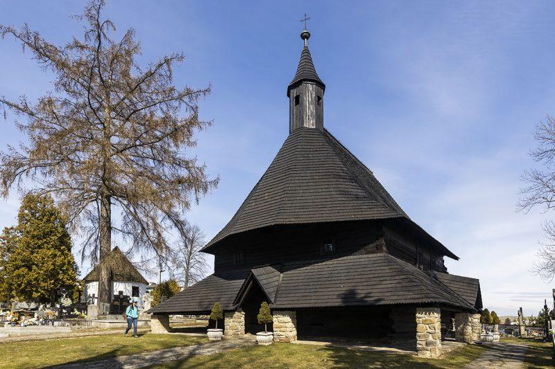 Gotický drevený kostolík. Foto: Miro Pochyba