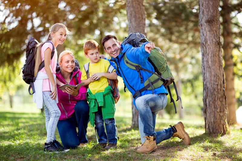 Pre rodiny sdeťmi astarých rodičov svnúčatami rozhodne odporúčame výlet lanovkami na obe strany Chopku.