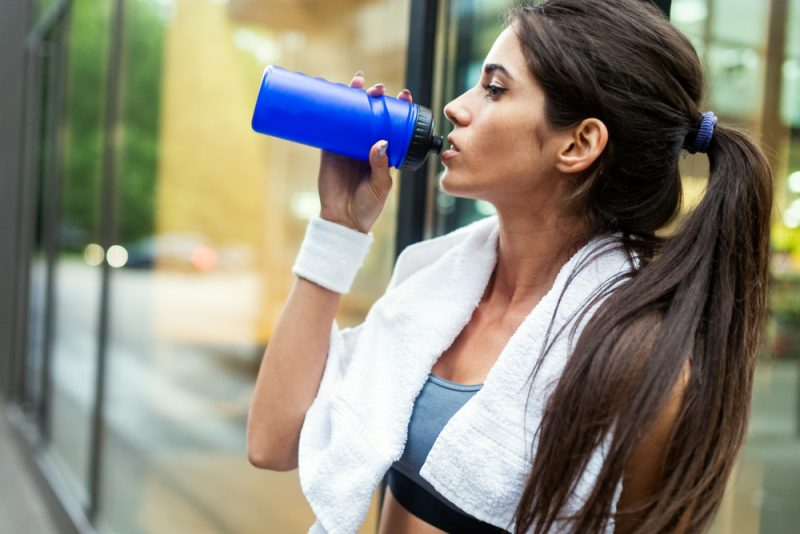 Ak si telo pýta tekutiny, doprajte mu ich. Foto: Shutterstock