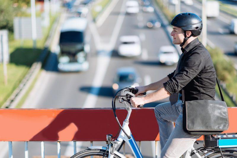 Do práce na bicykli. Foto: Shutterstock