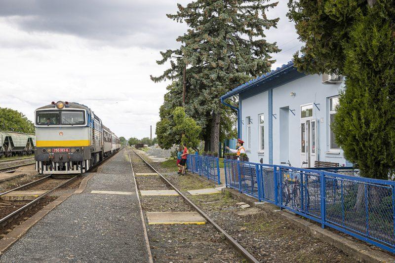 Železničná stanica Ivanka pri Nitre. Foto: Miro Pochyba