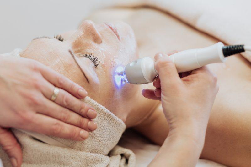 Laserová terapia. Foto: Shutterstock