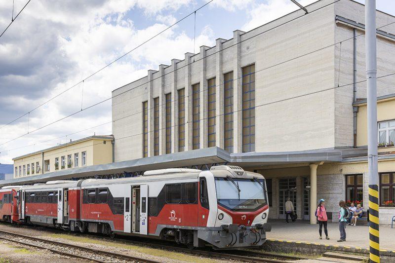 Ako sa vlakom dostať do Banskej Bystrice? Foto: Miro Pochyba