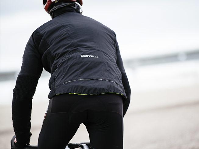 Nohavice hrejú zozadu. Foto: www.castelli-cycling.com