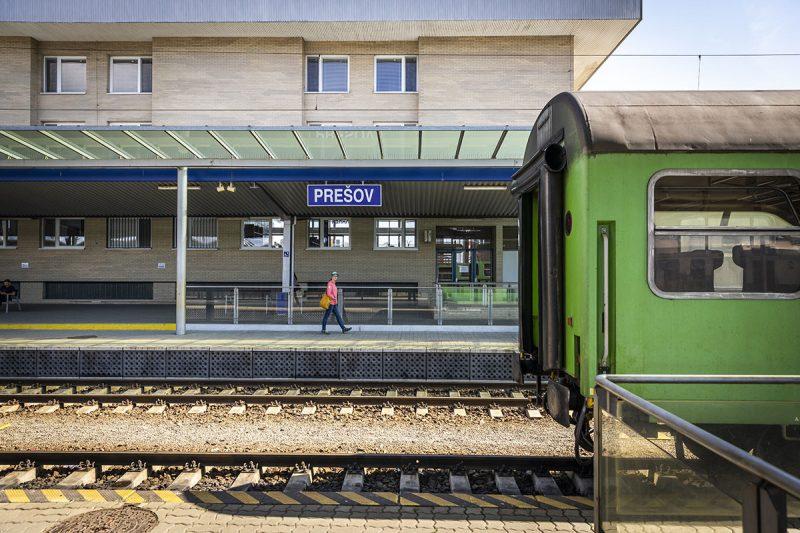 Vlakom sa sem dostanete úplne pohodlne. Foto: Miro Pochyba