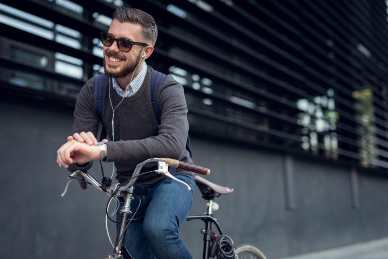 Na bicykli do práce. Foto: Shutterstock