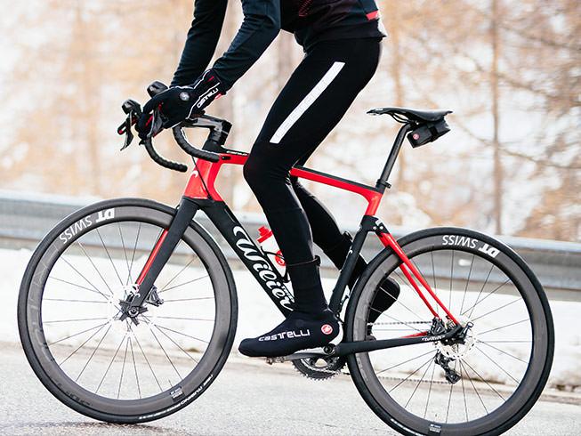 Nohy v teple. Foto: www.castelli-cycling.com.