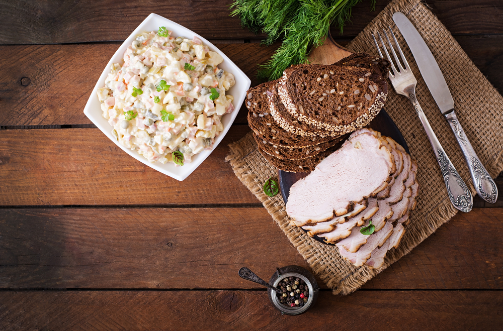 Majonézový zemiakový šalát so šunkou. Foto: Shutterstock