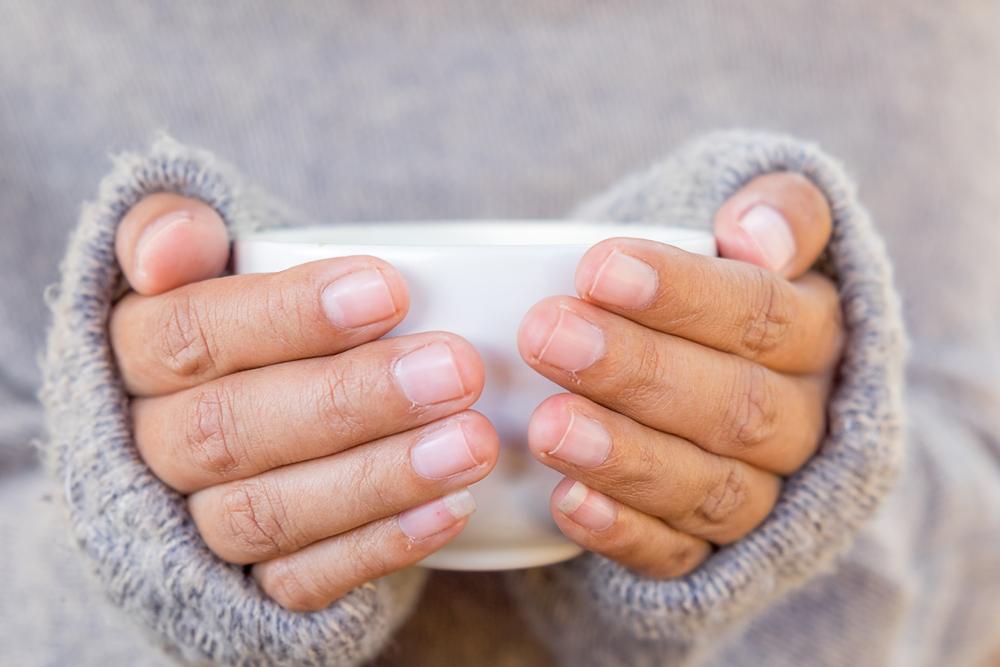 Ak nám je zima, pomôže masáž alebo upokojenie. Foto: Shutterstock