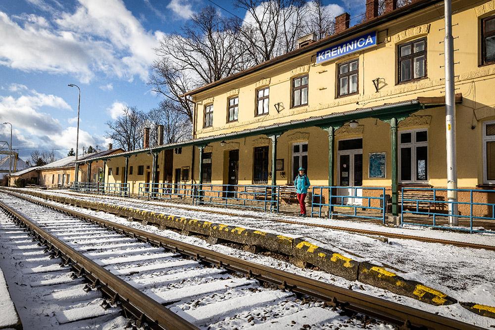 Železničná stanica Kremnica. Foto: Miro Pochyba
