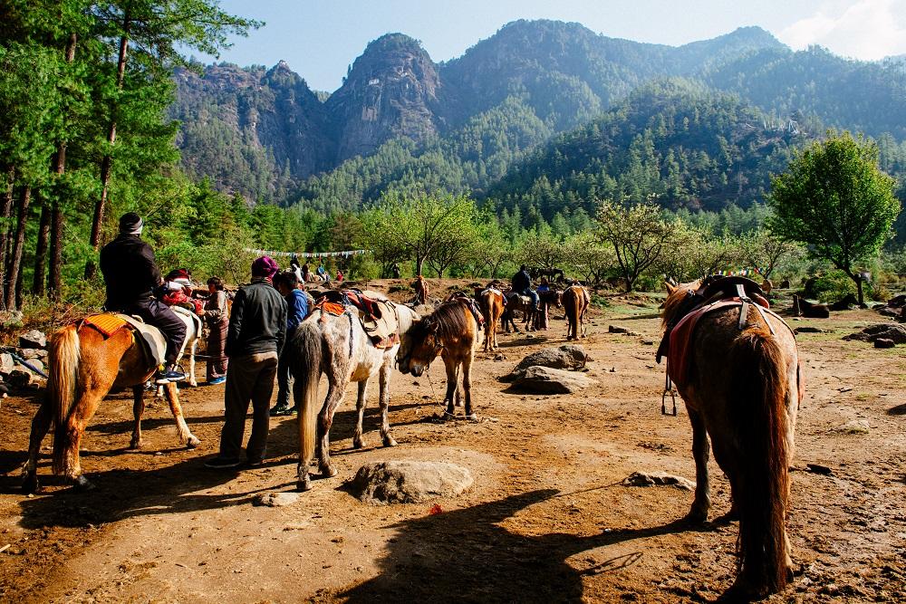 Jazda na koňoch z údolia Paro. Foto: Robert Taraba