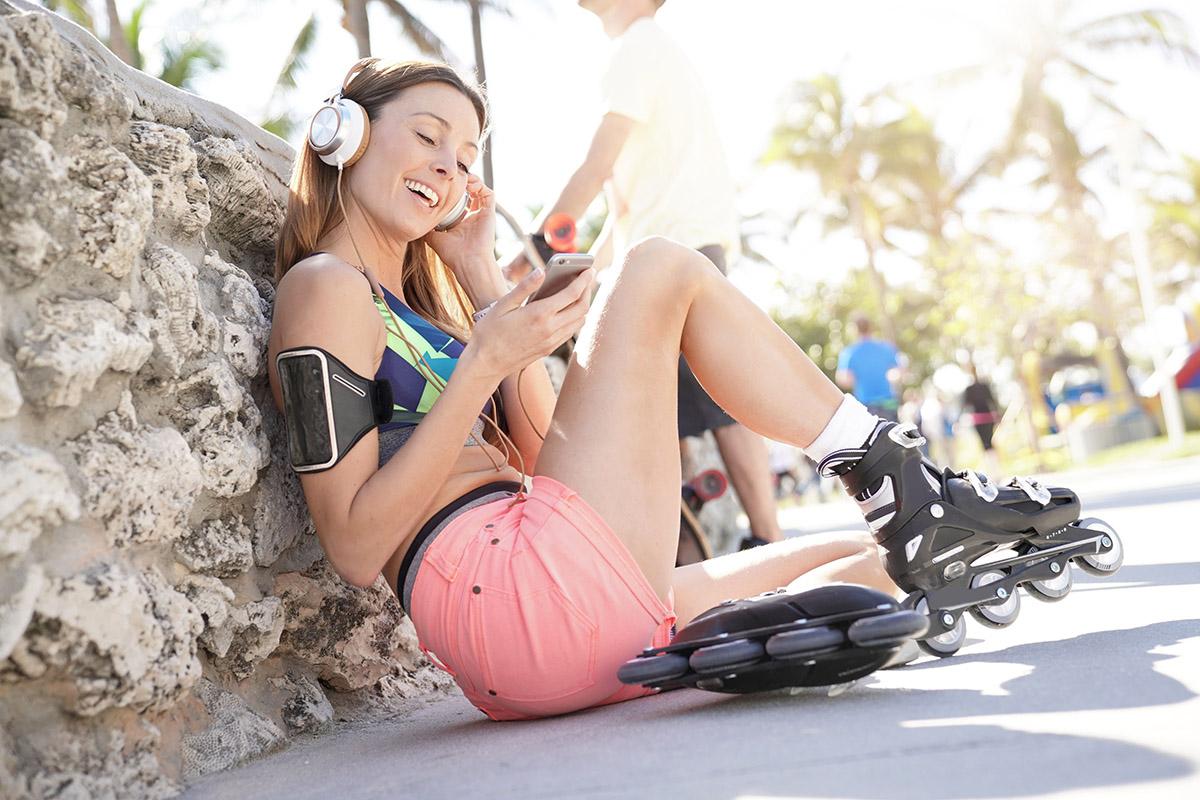 Zdá sa to jednoduché. Len ukladáte jednu nohu pred druhú a voilà, už je z vás korčuliar. Foto: Shutterstock