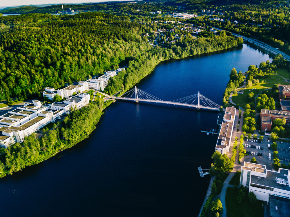 Most Yliston vo fínskom meste Jyvaskyla. EuroVelo 11. Foto: Shuttestock
