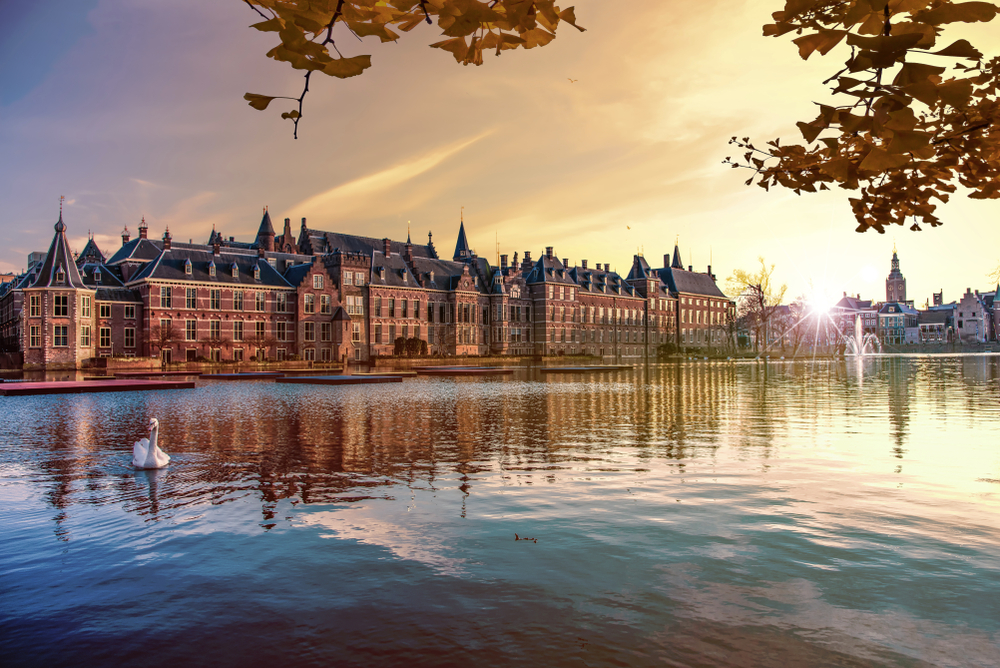 Haag je sídlo holandského parlamentu a vlády, ale hlavným mestom Holandska je Amsterdam. EuroVelo 2. Foto: Shutterstock