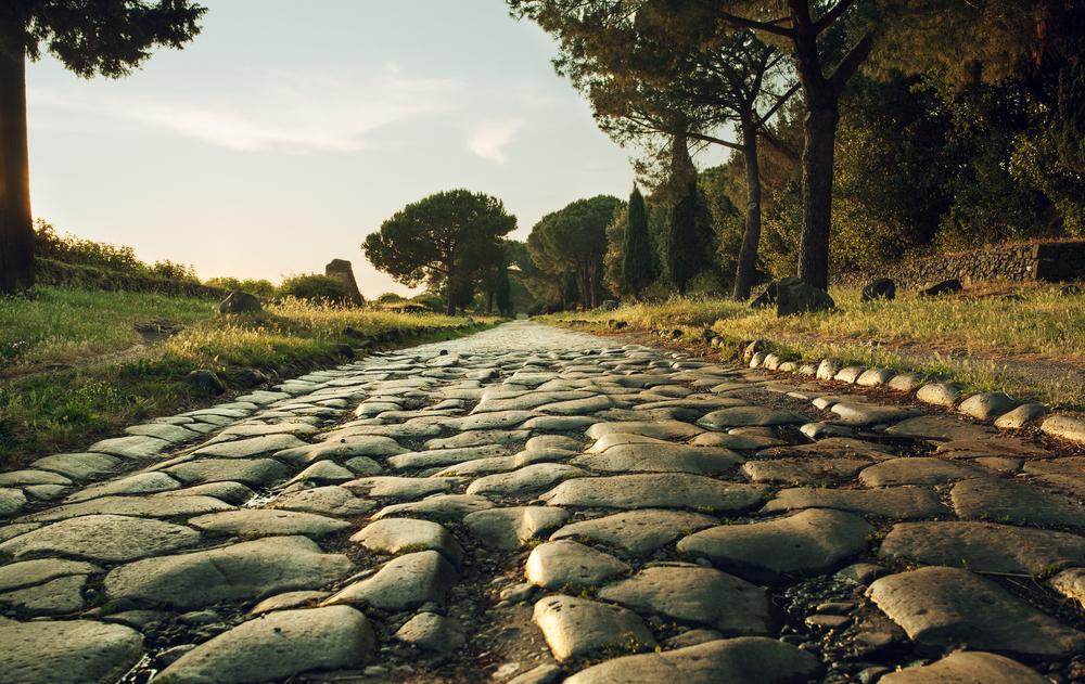 Via Appia v Taliansku. EuroVelo 5. Foto: Shuttestock
